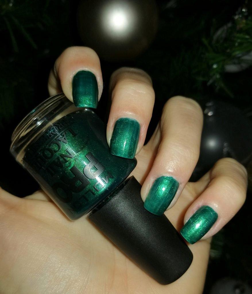 Mollon-pro-new-year-manicure-ideas