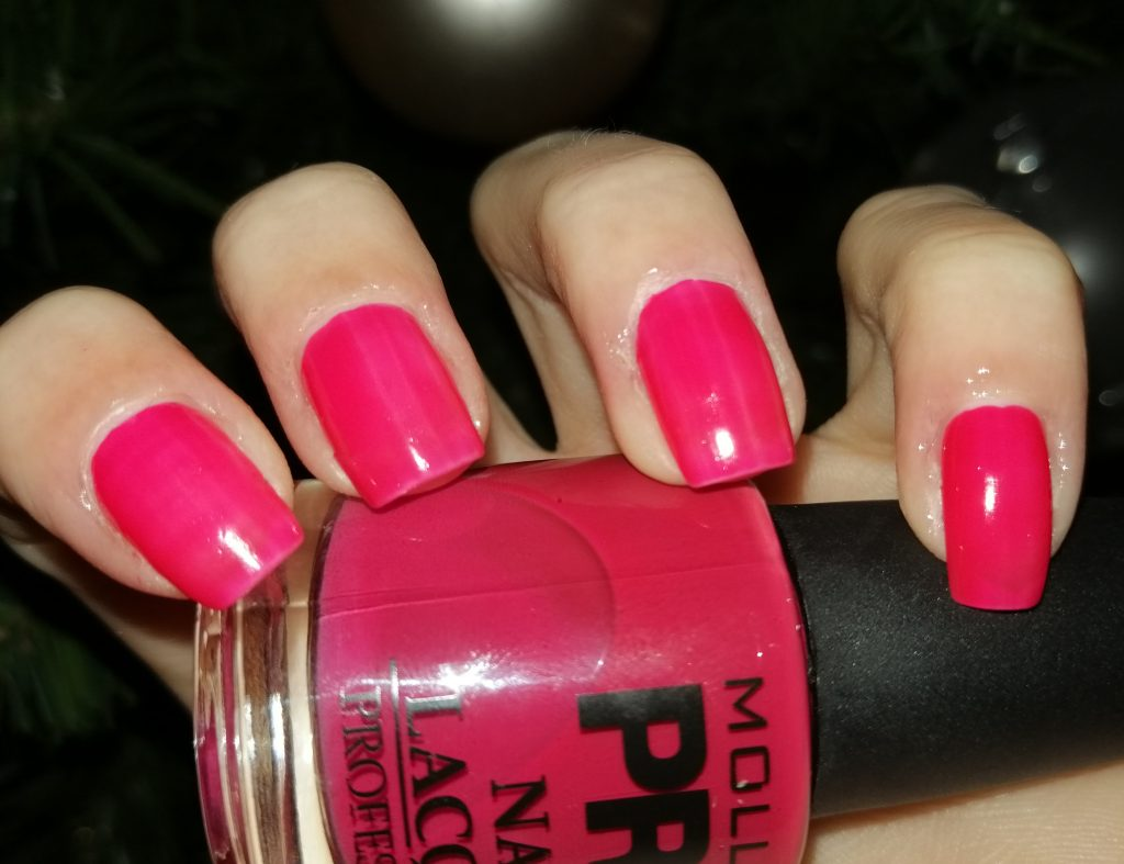 Mollon-pro-new-year-manicure-ideas