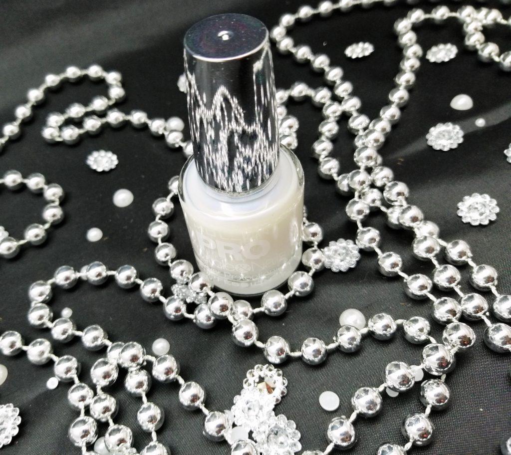 mollon-pro-Silver-Protection-Nail-Conditioner