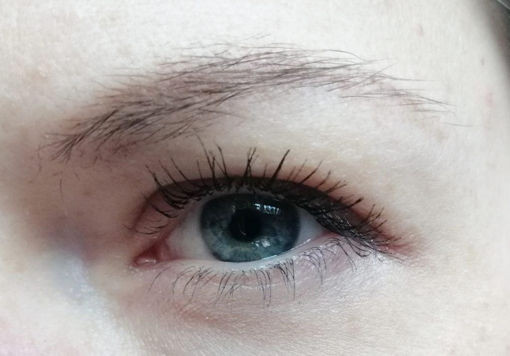 catrice-novosti-Future-Female-Palette-porter-eyeshadow-Afraid-of-nothing