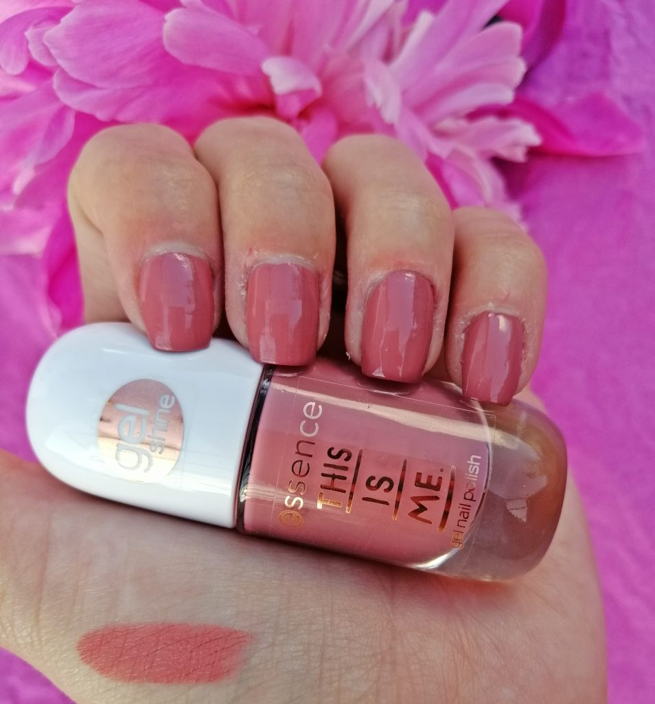 essence-this-is-me-nail-polish-lipstick-collection-01-freaky