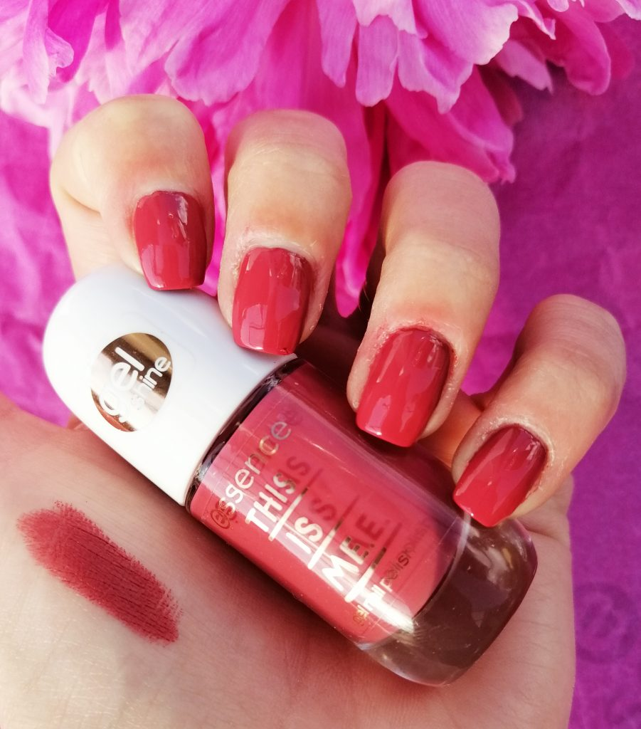essence-this-is-me-nail-polish-lipstick-collection-02-happy