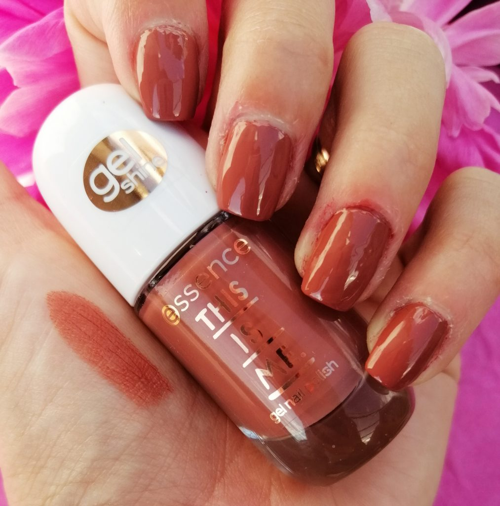 essence-this-is-me-nail-polish-lipstick-collection-03-bold