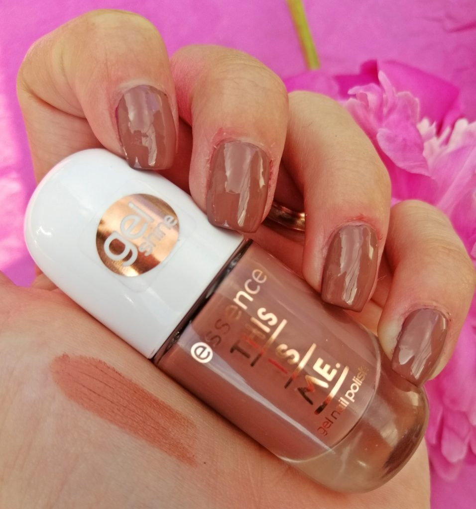 essence-this-is-me-nail-polish-lipstick-collection-05-legendary