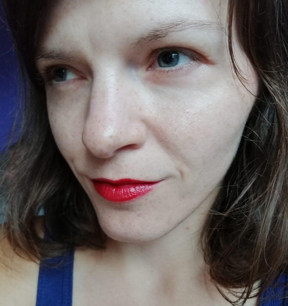 my-favourite-lipsticks-avon-scarlet-siren