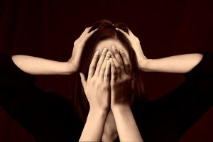 nepravilno-delovanje-ščitnice-simptomi