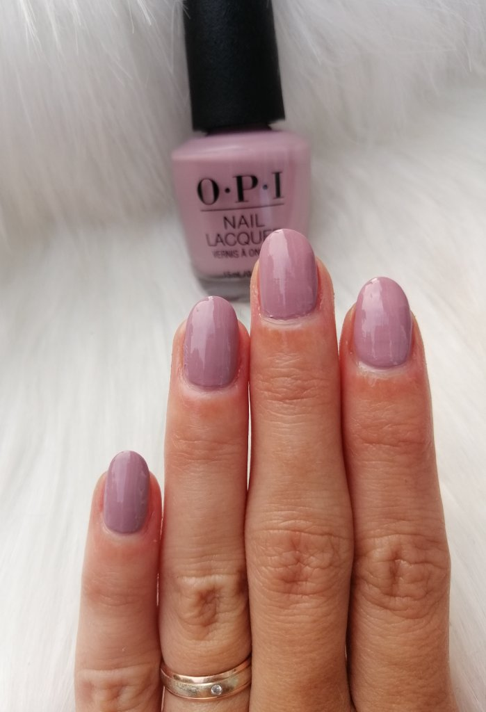 najljubši-laki-2019-opi-youve-got-that-glass-glow