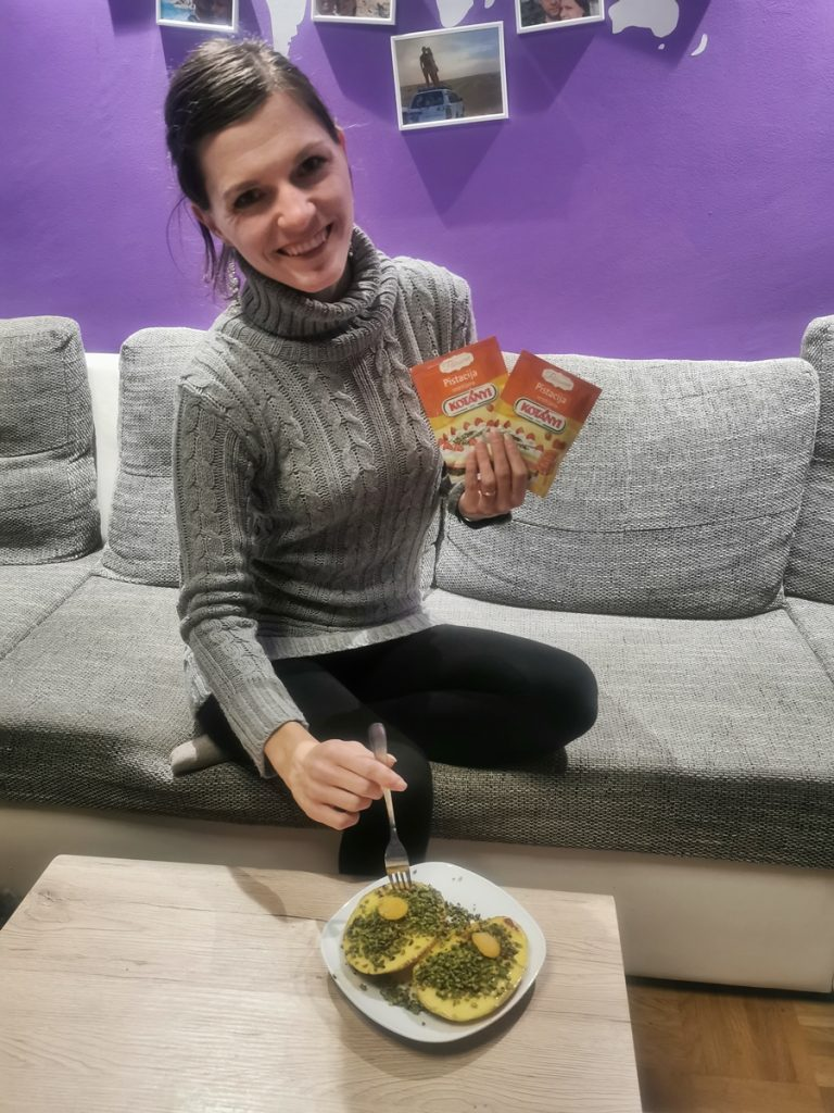 recept-pečen-mango-s-pistacijami-kotanyi